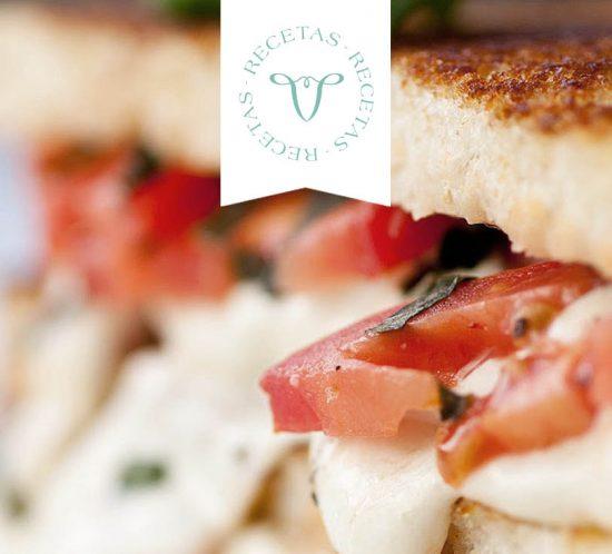 sandwich-caprese-queso