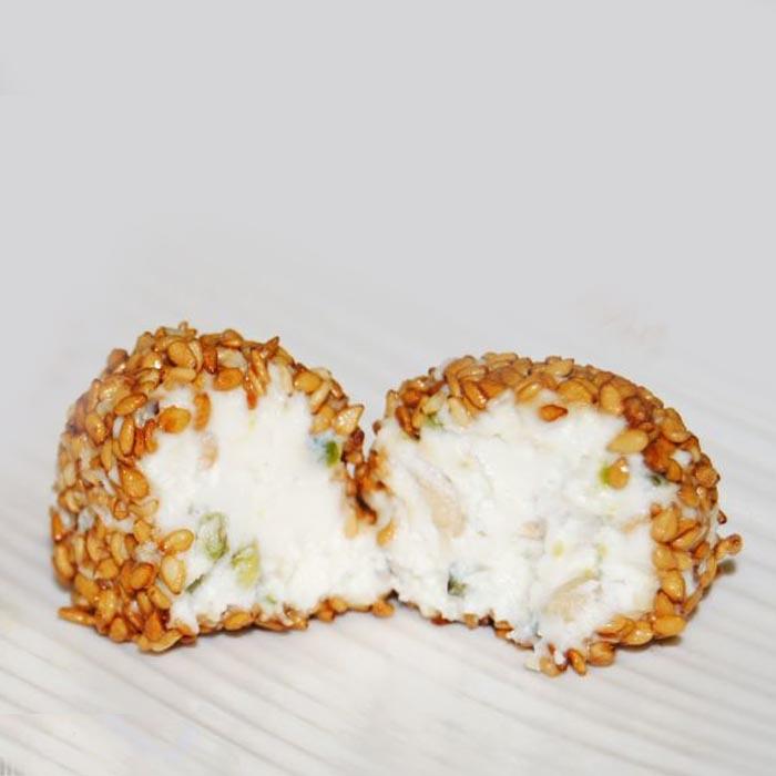 bombon-queso-cabra-sesamo-caramelizado